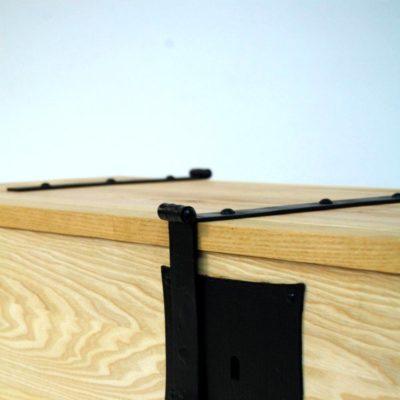 Tentorium-furniture-chests (14)