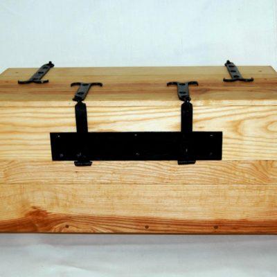 Tentorium-furniture-chests (3)