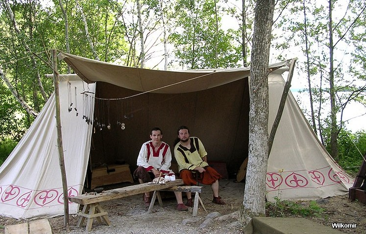 We also make tents stylized on historical so-called market tents intended for craftsmen and people trading at historical events. & Historical tents - Tentorium - Anglo-Saxon Geteld historical ...